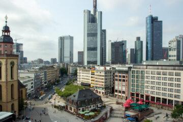 Aussicht auf Frankfurt Altstadt und Skyline